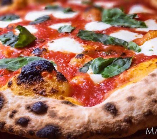 La Cucina Pizza a la leña