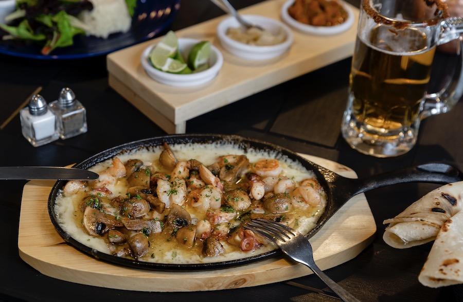 Reina Dorada seafood and grill Tijuana Sabor para llevar